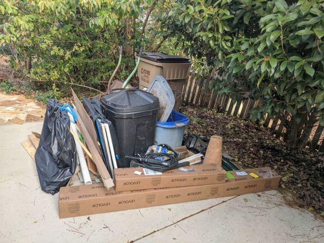 Trash and junk removal in Cumming, Georgia.