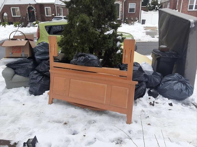 Curbside Pickup in Bellerose, NY