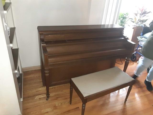 Piano Removal in Oakland Gardens, NY