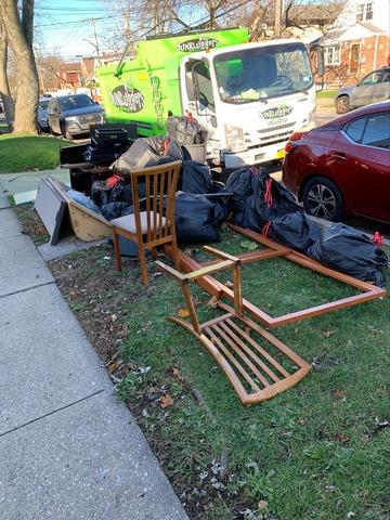 Curbside Pickup in South Ozone Park, NY