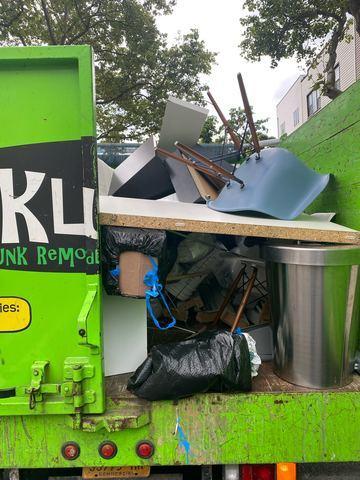 Garbage & Junk Removal Pickup in Williamsburg Brooklyn, NY
