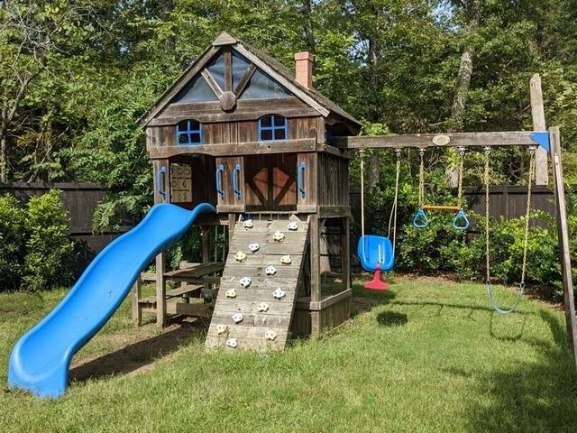 Swing set pick up in Durham, NC