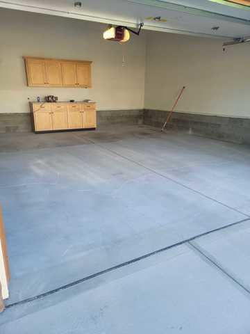 Garage Floor Coating and Slatwall in Omaha, NE - Before Photo