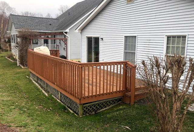 DECK FACELIFT IN ANNAPOLIS MD change treated wood to maintenance-free materials