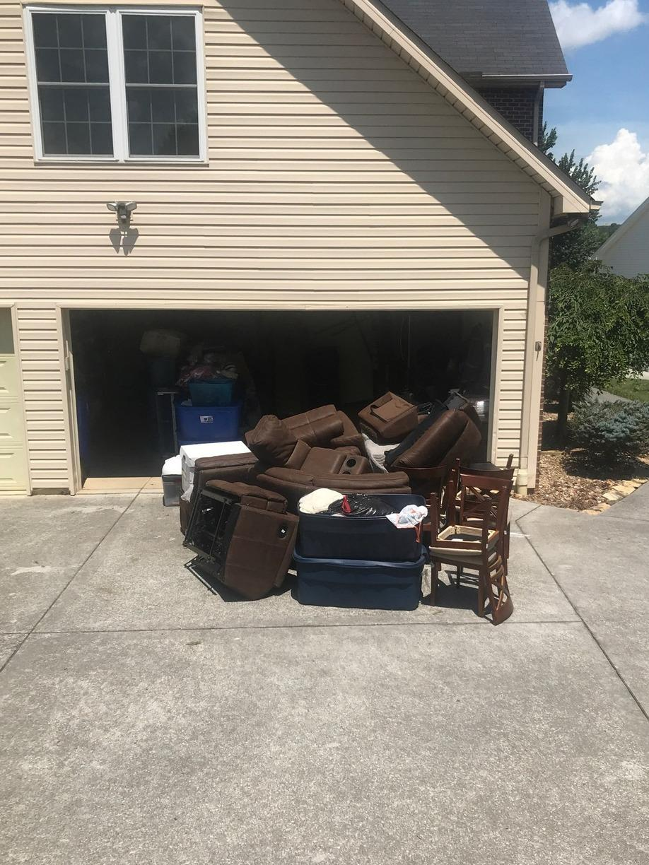 Helping a Customer Downsize in Seymour, TN - Before Photo