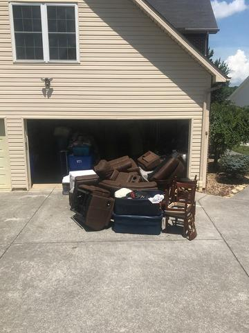 Helping a Customer Downsize in Seymour, TN