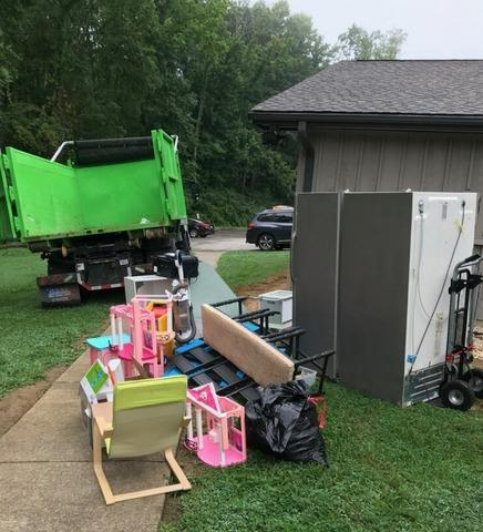 Removing Old Equipment and Toys in Knoxville, TN