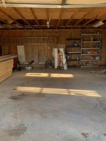 Clearing Out a Garage Near Blaine, TN