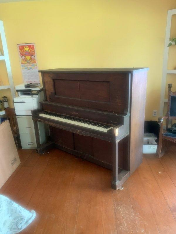 Piano Removal in Gloucester, VA - Before Photo
