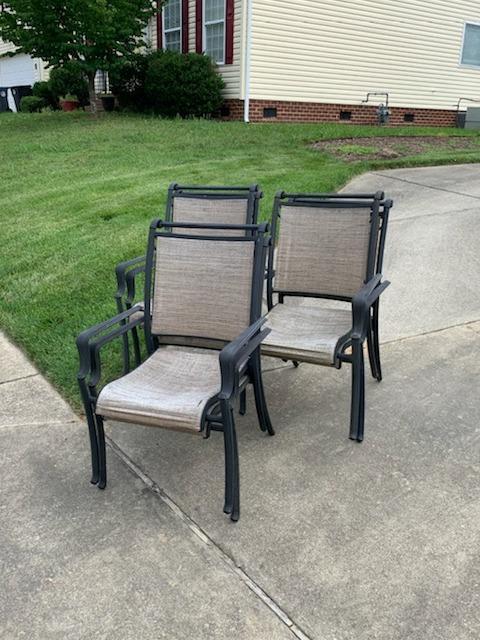 Lawn Chair Pickup in Williamsburg, VA - Before Photo