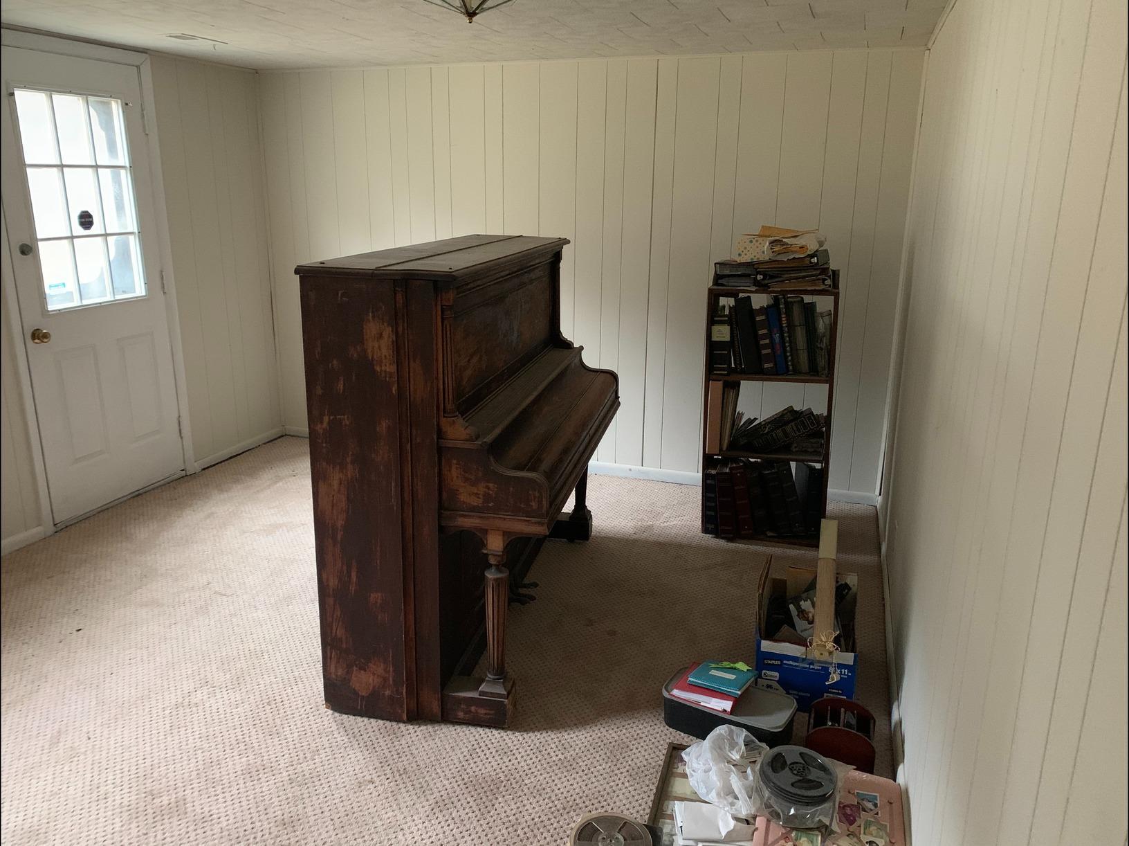 Piano Removal in Williamsburg, VA - Before Photo
