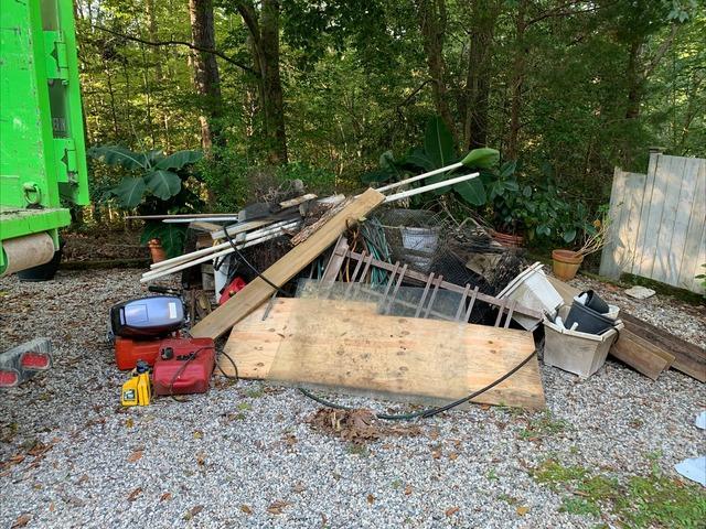 Yard Cleanup in Williamsburg, VA
