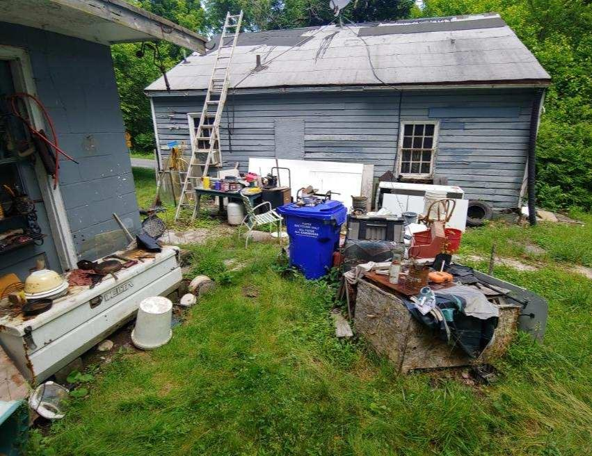 Junk removal Brookeville MD - Before Photo