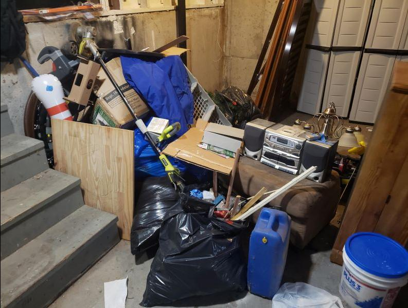 Garage Cleanout in Blue Springs, Mo - Before Photo
