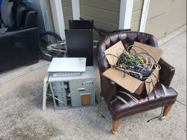 Junk Removal in Lee's Summit, Mo - Before Photo