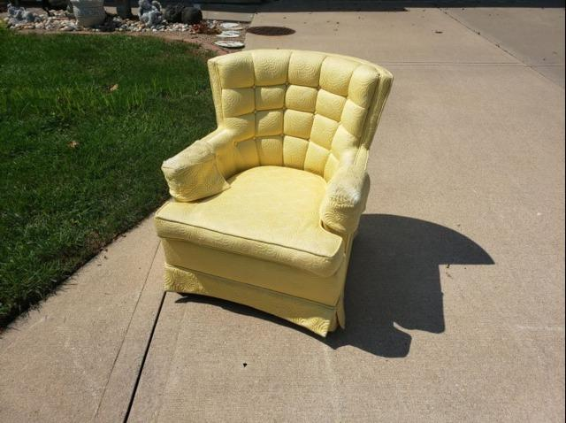 Chair Removal in Blue Springs, MO - Before Photo