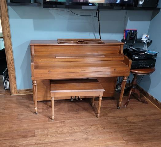 Piano Removal in Lawrence, Kansas