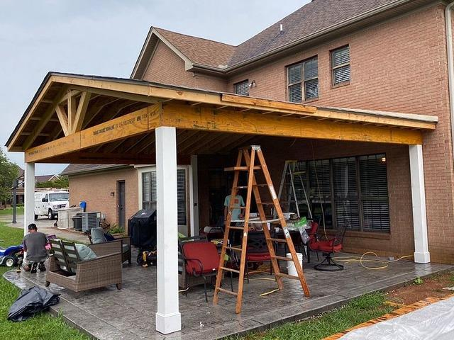 Installing New Gutters and Downspouts in Knoxville, TN