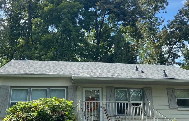 Knoxville, TN Home Gets a New Roof
