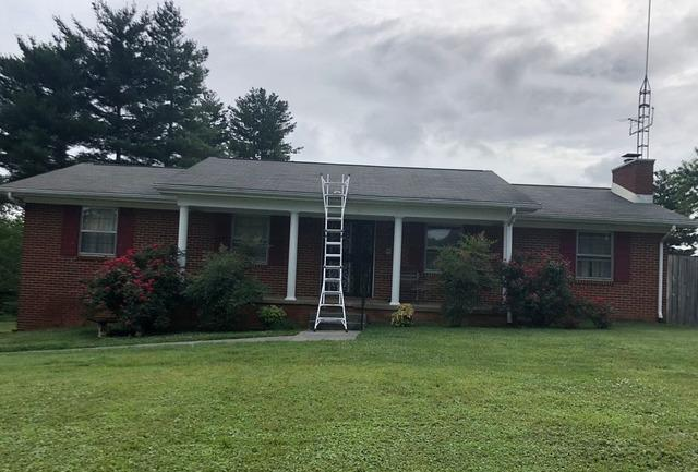 Replacing a Roof Near Speedwell, TN - Before Photo