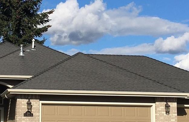 Springfield, OR Home Re-Roofed with IKO Dynasty Shingles - Before Photo