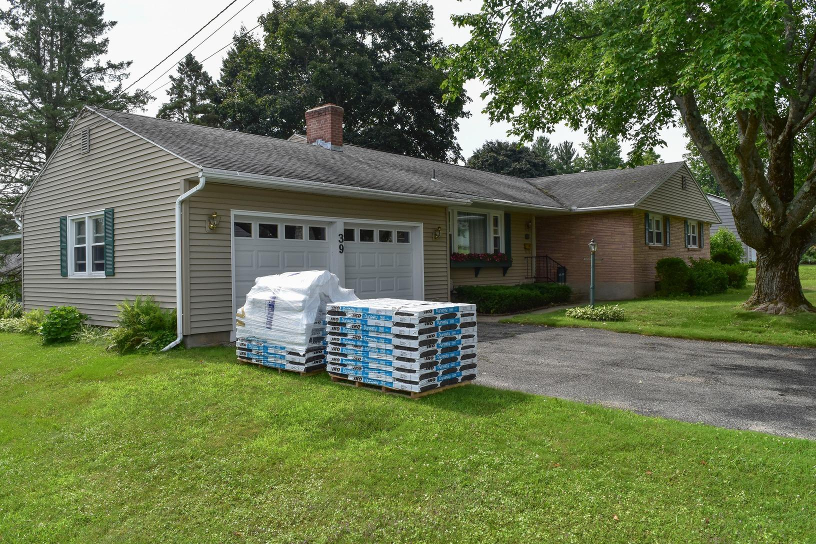 Roof Replacement IKO Driftshake Dynasty Shingles - Before Photo