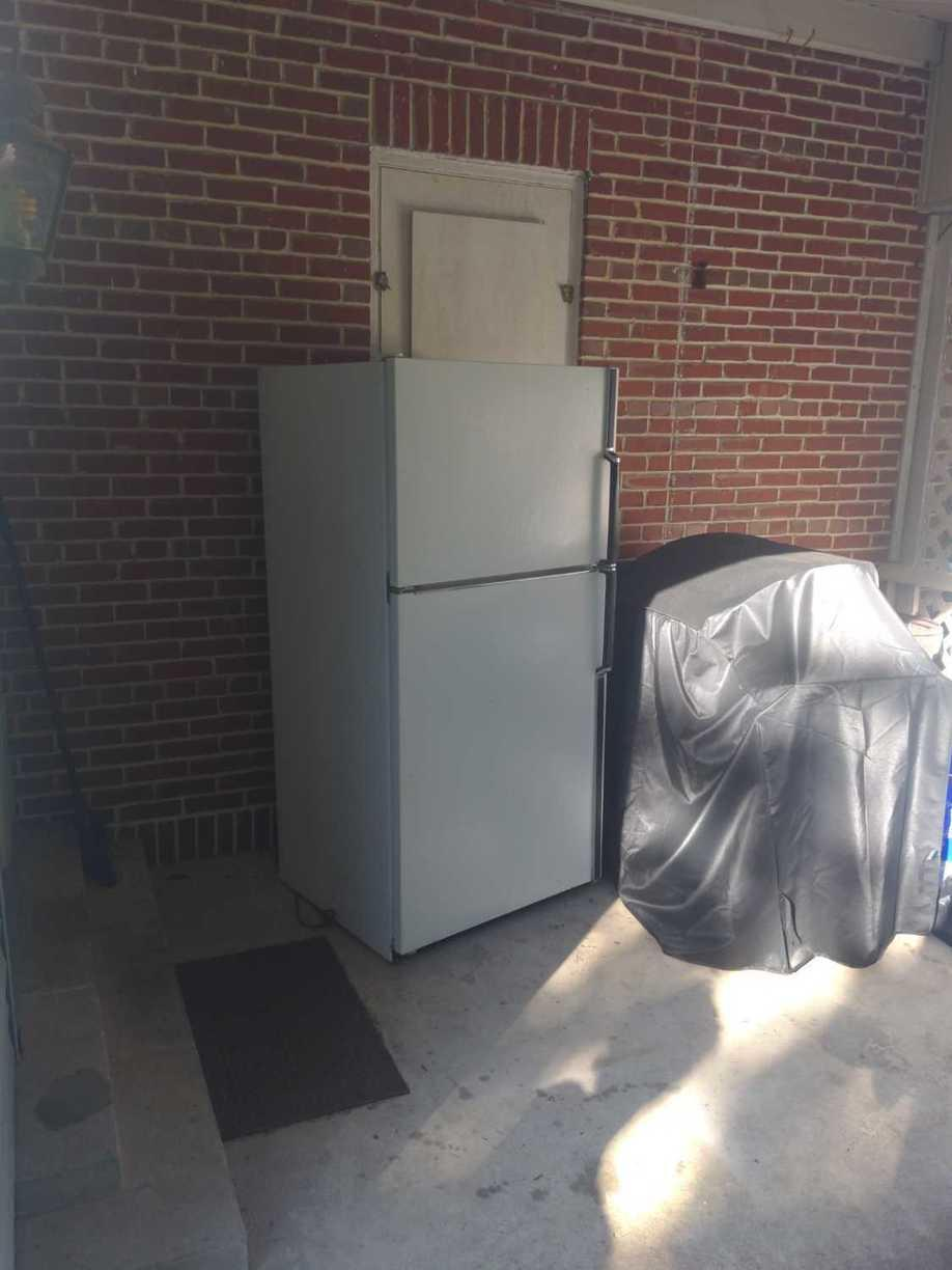 Appliance Removal in Reading, PA - Before Photo