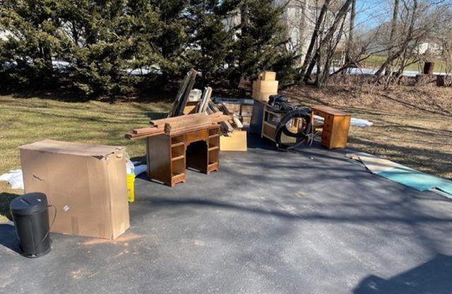 Declutter my backyard in Kennett Square, PA