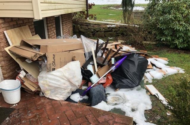 Declutter my backyard in Temple, PA