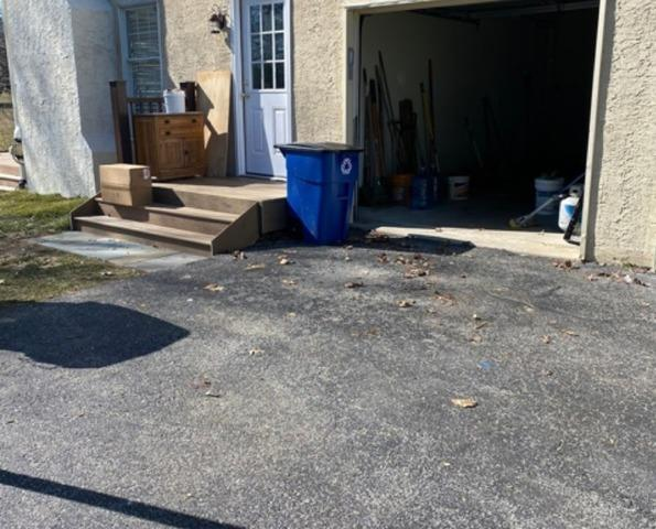 Declutter my driveway in Mohnton, PA