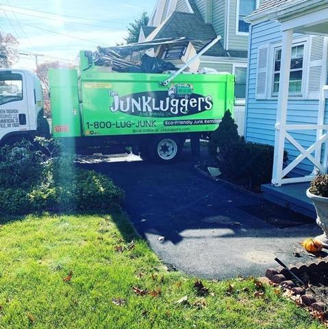 HOUSE CLEANOUT IN LYNBROOK, NY