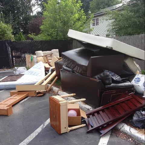 COMMERCIAL PARKING LOT CLEANOUT IN GLEN COVE, NY