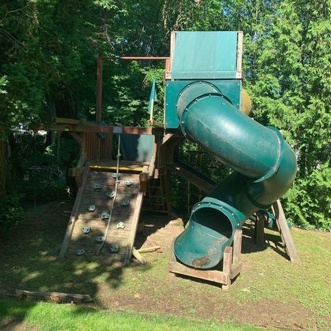 Plainview, NY Playset Purge