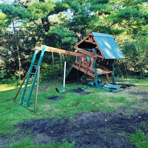 Playset Removal in Roslyn, NY