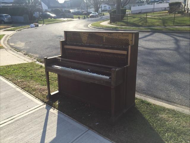 Piano Removal in Levittown, NY