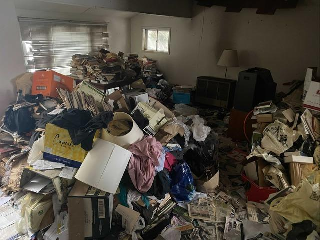 Hoarding Cleanup in Center Moriches, NY