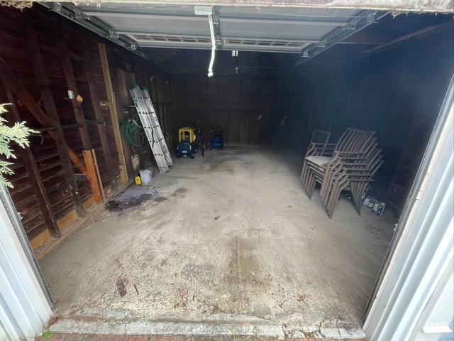 Garage Cleanout in East Williston, NY