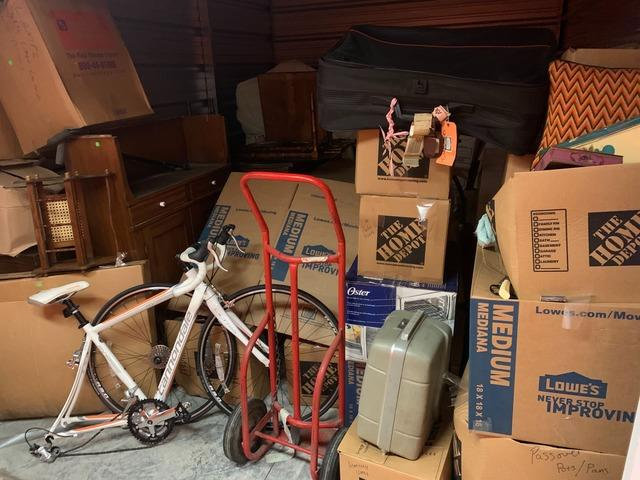 Storage Unit Decluttering Service in Oakdale, NY