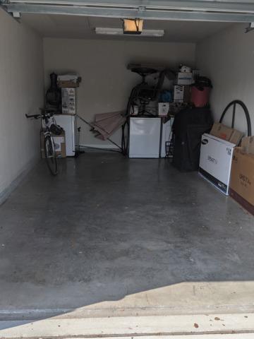 Garage cleanup in Trinity, FL