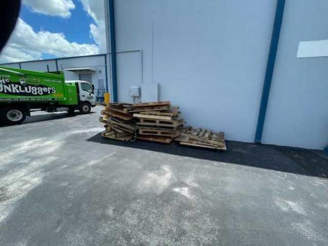 Pallet Removal in Tampa, FL!