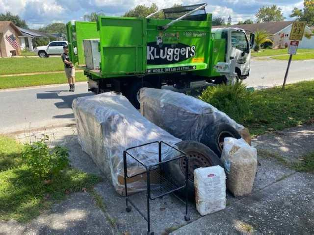 Fast Curbside Pickup in Holiday, FL!