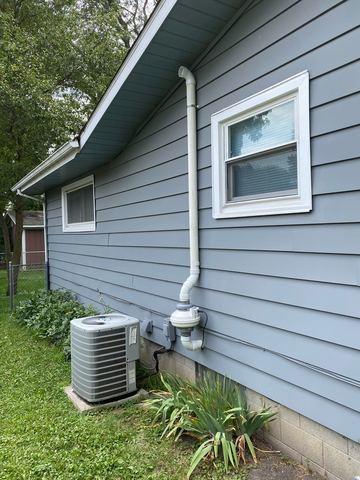 Low voltage radon fan mitigation