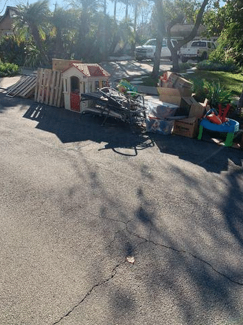 Curbside Junk Removal in Fullerton, CA
