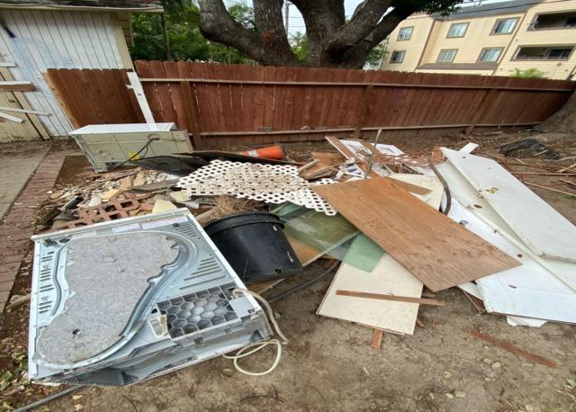 Yard Debris Removal in Santa Ana, CA