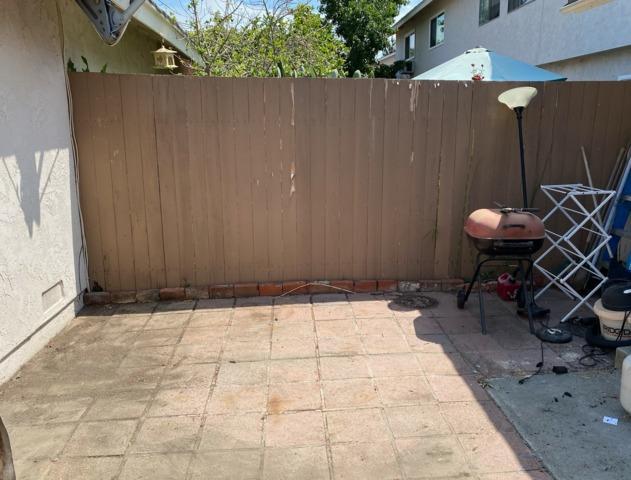 Backyard Junk Removal in Placentia, CA