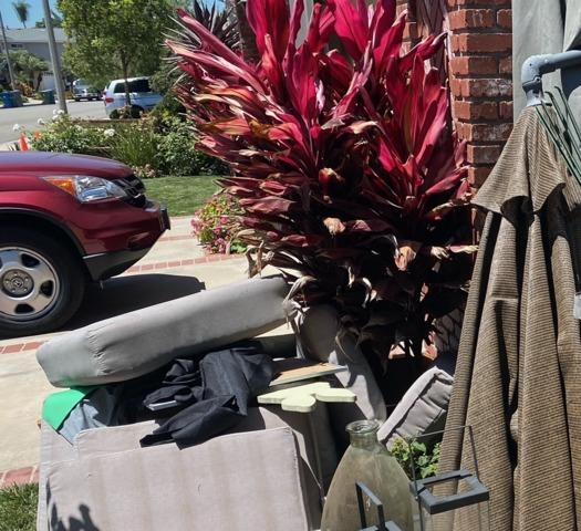 Curbside Pick-up in Seal Beach, CA
