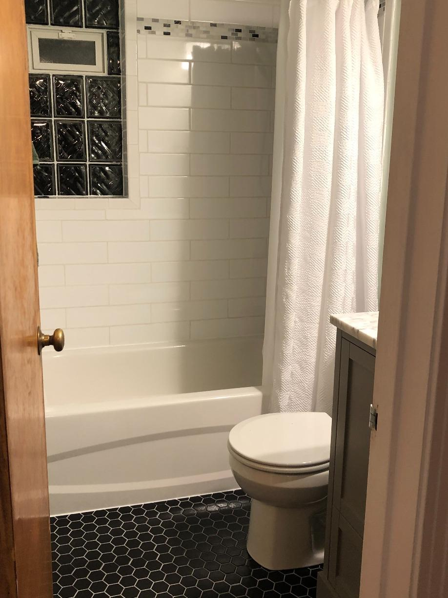 Full Bathroom remodel - Valencia, PA - After Photo
