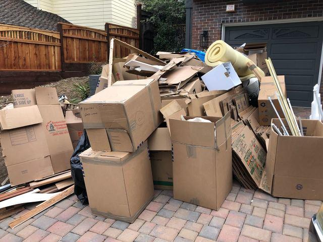 Driveway cleanout in Los Gatos, CA 95030, USA