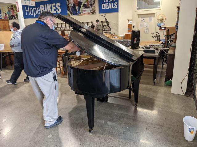 Baby grand piano removal, Sunnyvale, CA 94086, USA