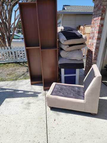 Furniture pickup in Santa Clara